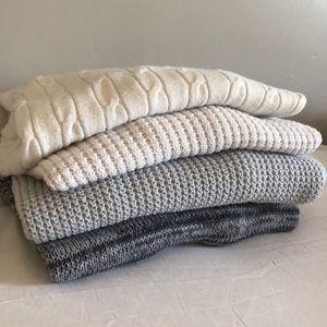 4 set lot bundle sweaters Roxy GAP Merona XS S